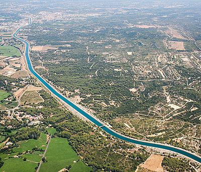 Canal de Marseille - p1113m1215050 by Colas Declercq
