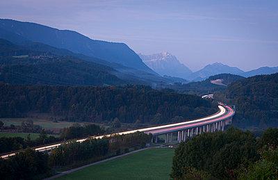 Richtung München… - p7980089 von Florian Loebermann