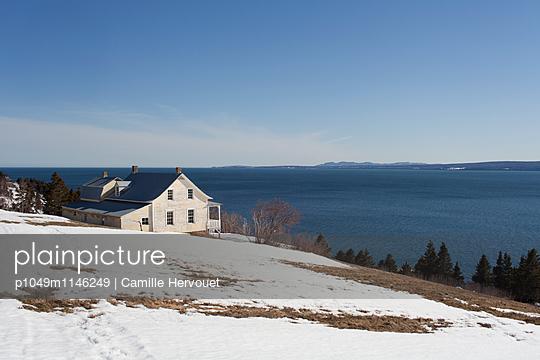 Haus an der Bucht - p1049m1146249 von Camille Hervouet