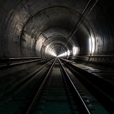 Tunnel - p280m1590806 von victor s. brigola