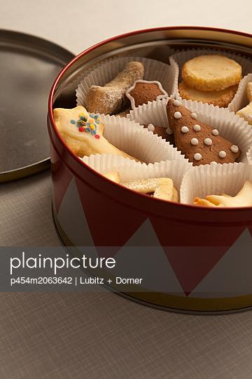 Weihnachtsplätzchen - p454m2063642 von Lubitz + Dorner