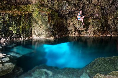 La Grotto im Bruce Peninsula National Park, Tobermory, Kanada - p177m1183472 von Kirsten Nijhof