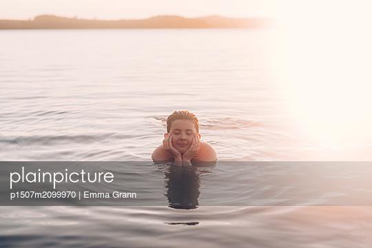p1507m2099970 by Emma Grann