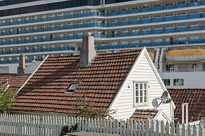 Landgang, Stavanger 2 - p877m1146152 von Julia Wagner