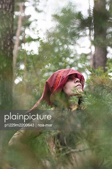 Red Riding Hood - p1229m2200643 by noa-mar