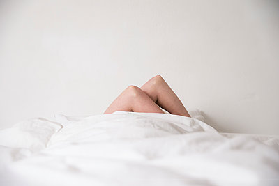 Falling asleep - p1212m1116048 by harry + lidy