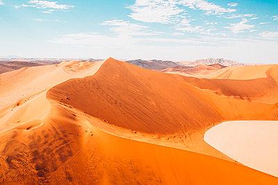Sossusvlei, Namibsand-Dünen - p642m892589 von brophoto