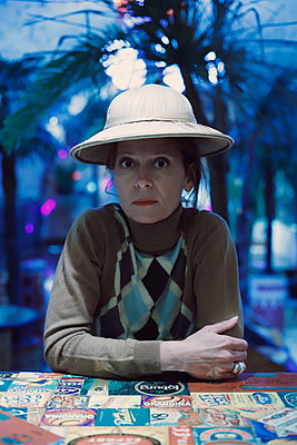 Woman with a colinial hat - p1521m2133390 by Charlotte Zobel