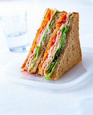 Gesundes Sandwich - p1053m816450f von Joern Rynio