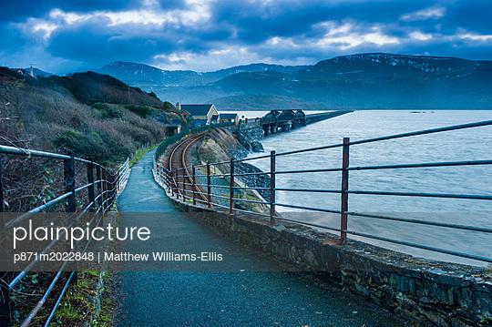 p871m2022848 von Matthew Williams-Ellis