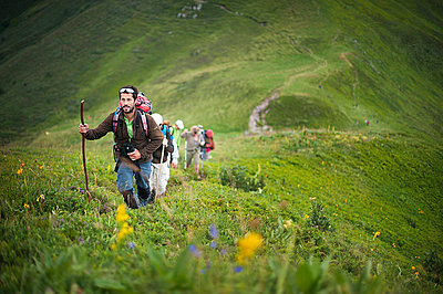 Guide in mountains - p1007m854043 by Tilby Vattard