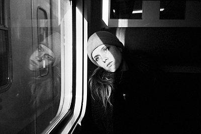 Im Zug - p1055m1589930 von Joseph Charroy