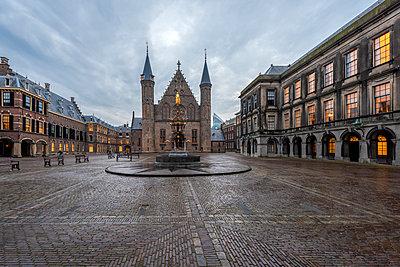 Netherlands, Holland, The Hague, Binnenhof - p300m2062804 von Raul Podadera Sanz