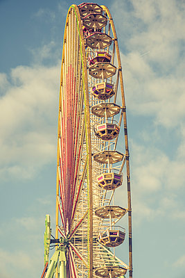 Ferris wheel - p401m2168795 by Frank Baquet