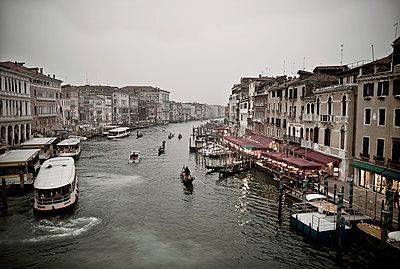 Kanal in Venedig - p416m991005 von Bernd Wagner