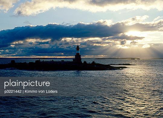 Lighthouse of Harmaja - p3221442 by Kimmo von Lüders