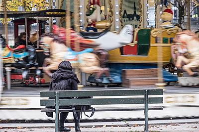 Karussel im Jardin des Tuileries - p1243m1515735 von Archer