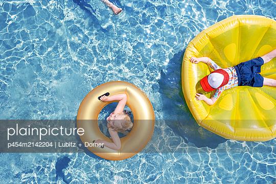 Badevergnügen - p454m2142204 von Lubitz + Dorner