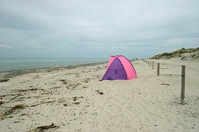 Einsamer Windschutz - p0890027 von Gerd Olma