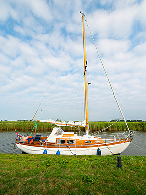 Sailing holiday - p1132m931848 by Mischa Keijser