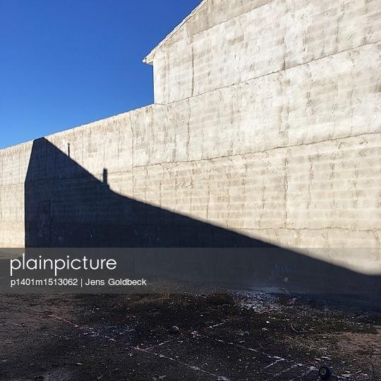 Graue Mauer - p1401m1513062 von Jens Goldbeck