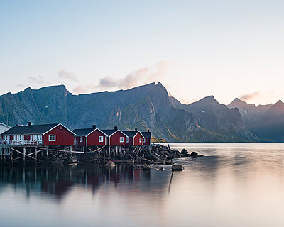 Norway, The Fishing village Hamnoy - p1549m2158072 by Sam Green
