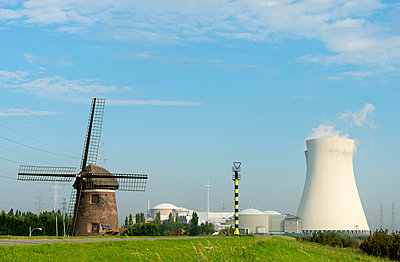 Nuclear power station in Doel - p1132m937642 by Mischa Keijser