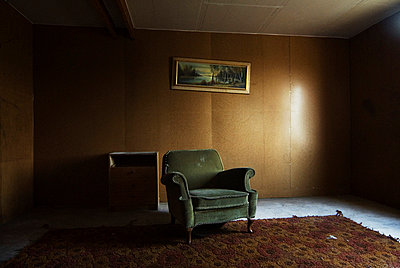 Verlassener Raum - p1020m777475 von Aaron Alexandersson