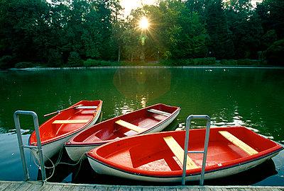 Boote - p1205m1018730 von Toni Anzenberger