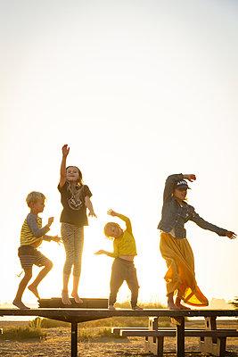 Four children - p756m2125038 by Bénédicte Lassalle