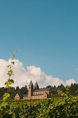 Benediktinerinnenabtei Sankt Hildegard in Rüdesheim - p470m1573189 von Ingrid Michel