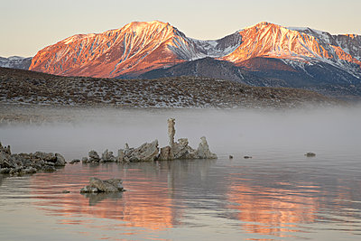 Morning light, Mono Lake, California, United States of America, North America - p871m1073397f by James Hager
