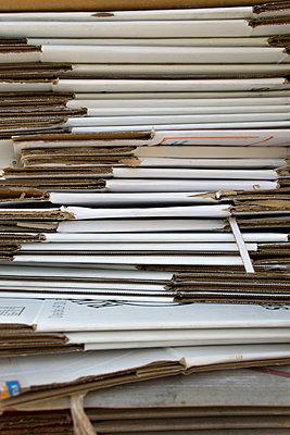 Pile os cardboxes - p1657m2263537 by Kornelia Rumberg