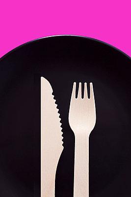 Wooden cutlery  - p1149m1590392 by Yvonne Röder