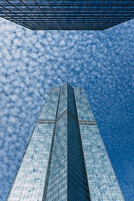 Skyscraper in Hong Kong - p795m2187238 by JanJasperKlein