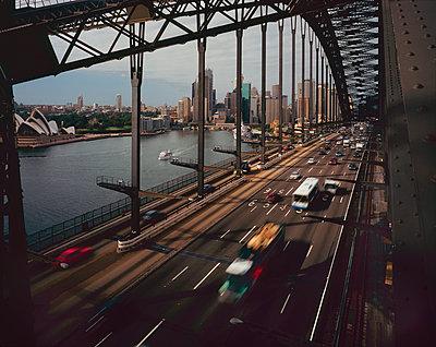 Sydney Harbour Bridge - p1125m943669 by jonlove