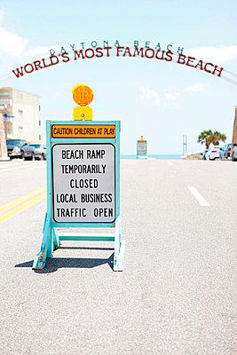 Daytona Beach - p045m816854 by Jasmin Sander