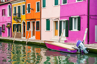 Colourful Houses, Burano, Venice, Italy - p651m2006101 by Tom Mackie