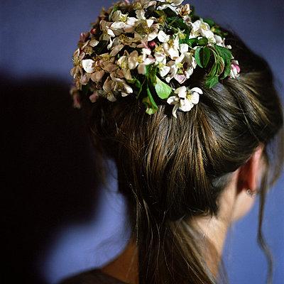 Bride - p945m701072 by aurelia frey