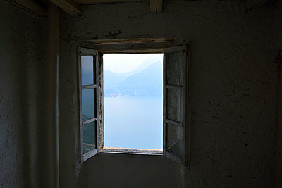 Window to the lake - p876m1050994 by ganguin