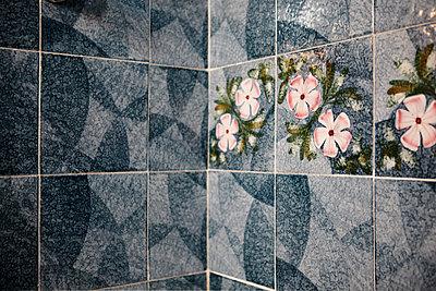 Blaues Badezimmer - p415m1586104 von Tanja Luther