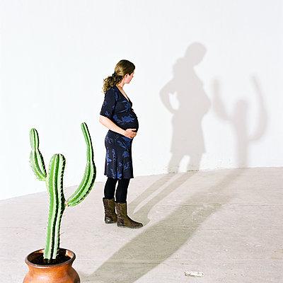 Hello Shadow - p1231m2043351 by Iris Loonen