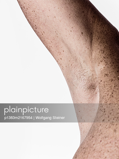 Armpit of a woman - p1383m2167954 by Wolfgang Steiner