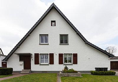 """Haus in der Arbeitersiedlung """"Dahlhauser Heide"""" in Bochum - p105m1025444 von André Schuster"""
