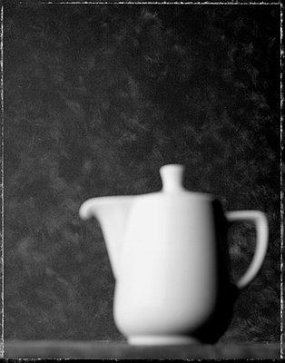 Weiße Kanne - p4470066 von Anja Lubitz