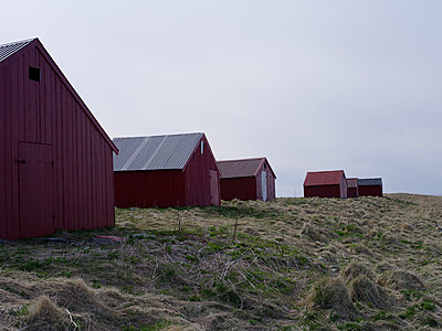 Empty huts - p945m1497417 by aurelia frey