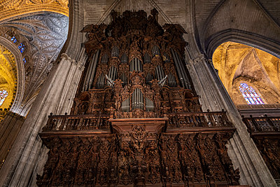 Organ, Cathedral of Seville  - p1332m2203269 by Tamboly