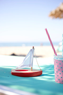 Vacation daydream - p454m2007443 by Lubitz + Dorner