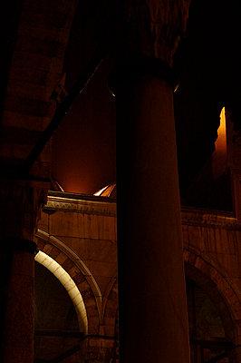 naechtliche moschee - p627m670567 by Carla Brno