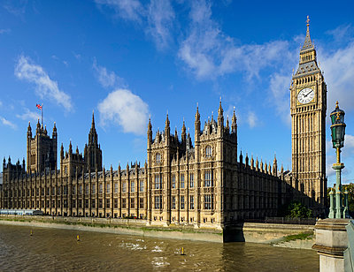 Houses of Parliament, London, England, UK - p429m976555 by Mischa Keijser